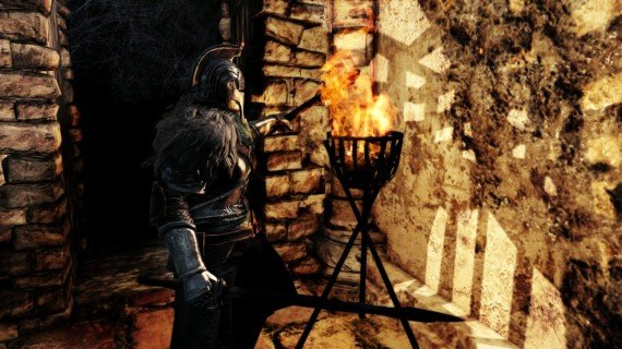 Dark-Souls-2-PS3-Screenshot-Torch-570x320.jpg